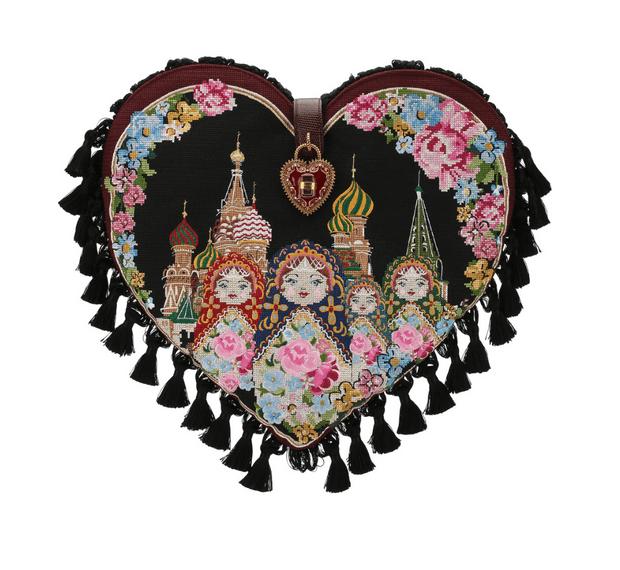 Фото №5 - Матрешки и Храм Василия Блаженного в новой коллекции Dolce & Gabbana
