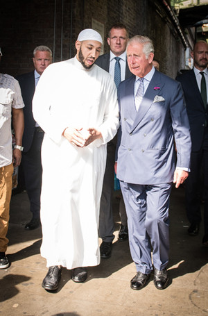 Фото №4 - Каким королем будет принц Чарльз (и почему он не уступит Уильяму)
