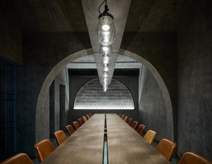 Фото №9 - Брутальный ресторан в Праге
