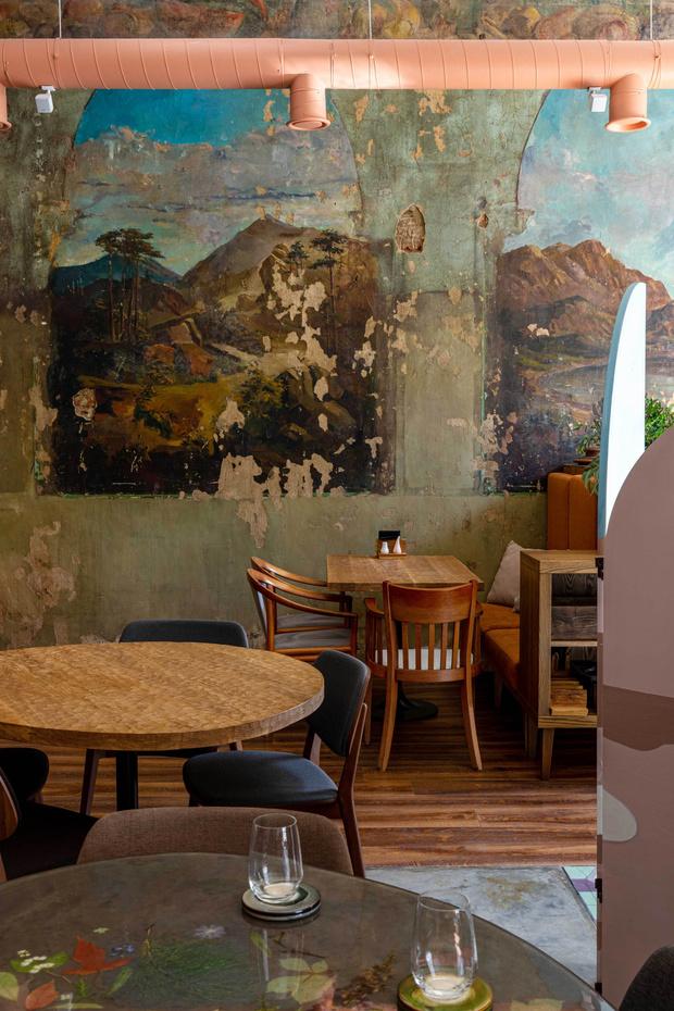 Фото №14 - Ресторан «Цех» с фресками советской эпохи во Владивостоке