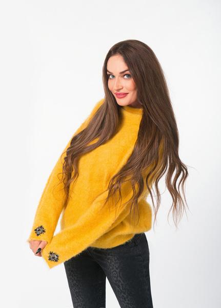 На Алене: свитер и джинсы Laurel