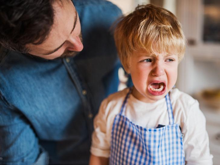 Фото №1 - Игнорирование или уговоры: как правильно реагировать на детские истерики