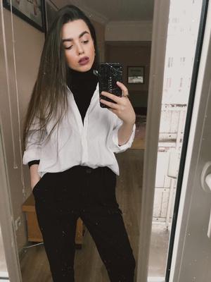 Фото №1 - Блог fashion-редактора: нескучно носим базовую белую рубашку
