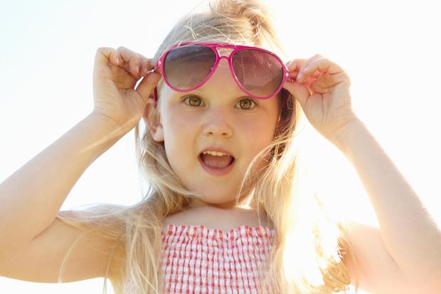 Фото №1 - Нужны ли ребенку солнечные очки: мнение врача