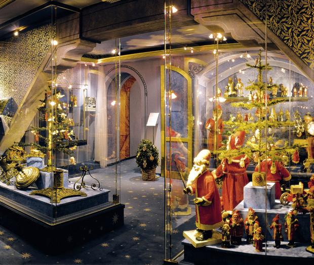 Фото №1 - Дух Рождества в музеях мира: четыре самых праздничных места на планете