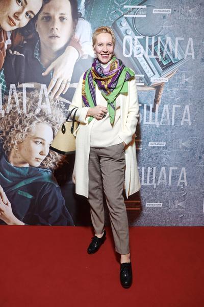 Фото №5 - Одинокая Варнава, флиртующий Ефремов и летняя Божена Рынска на закрытой премьере фильма «Общага»