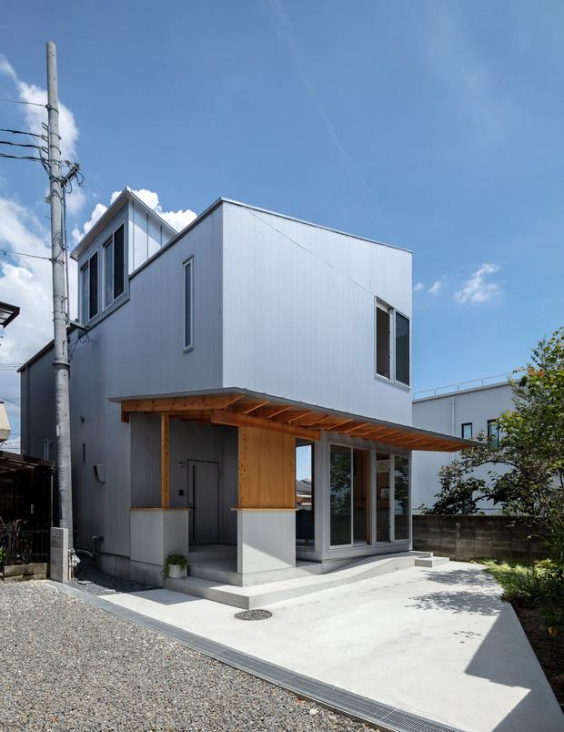 Фото №2 - Современный дом с атриумом в Японии