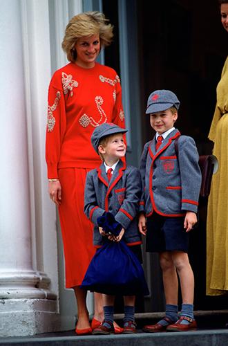 Фото №65 - 60 красных нарядов: как принцесса Диана носила любимый цвет