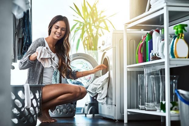 Фото №1 - Лайфхак: зачем класть пластиковый пакет в стиральную машину