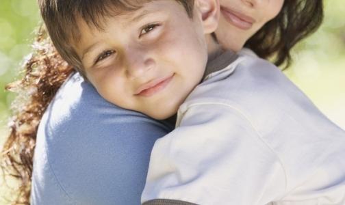 Фото №1 - ВИЧ-инфицированные требуют у правительства разрешения на усыновление детей