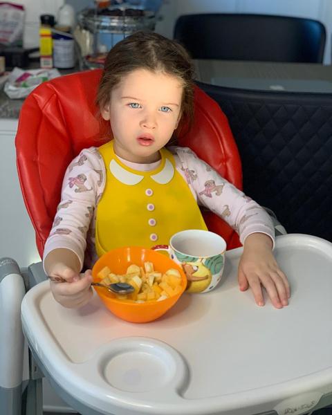 Фото №9 - Чем завтракают дети Пугачевой, Бони и других звезд: фото