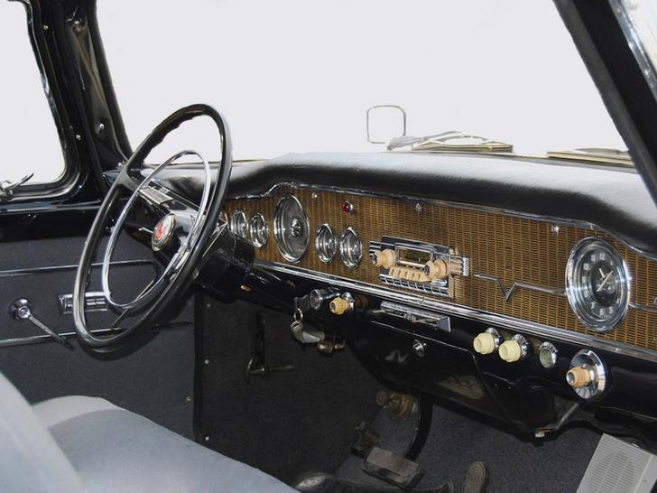 Фото №4 - 7 фактов про самый красивый советский автомобиль— «Чайка»
