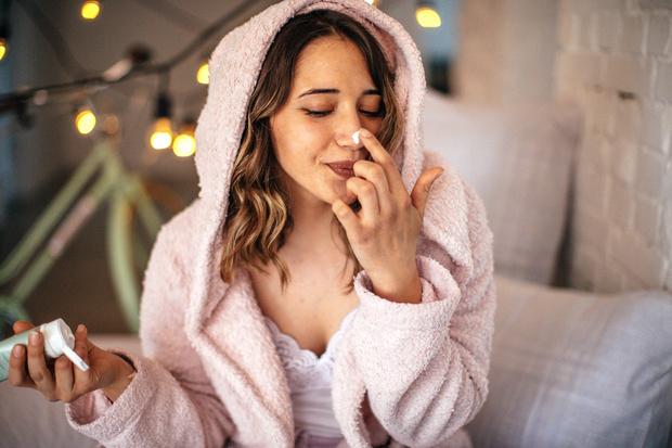 Уход за кожей лица зимой этапы вокруг глаз в домашних условиях