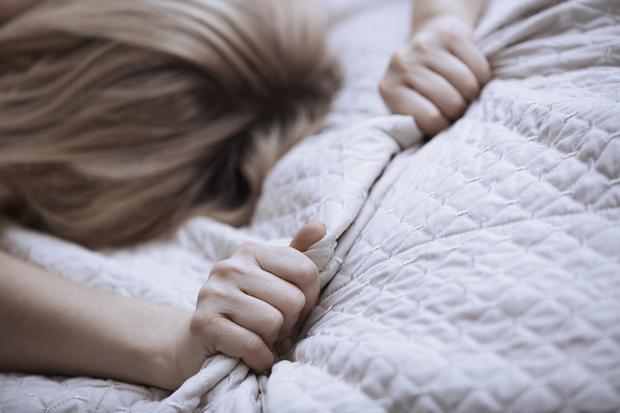 Фото №3 - «Она ревновала меня к отцу и кричала, что я уведу его»: девушка, которую воспитывала психически больная мать, рассказала о жизни в домашнем аду