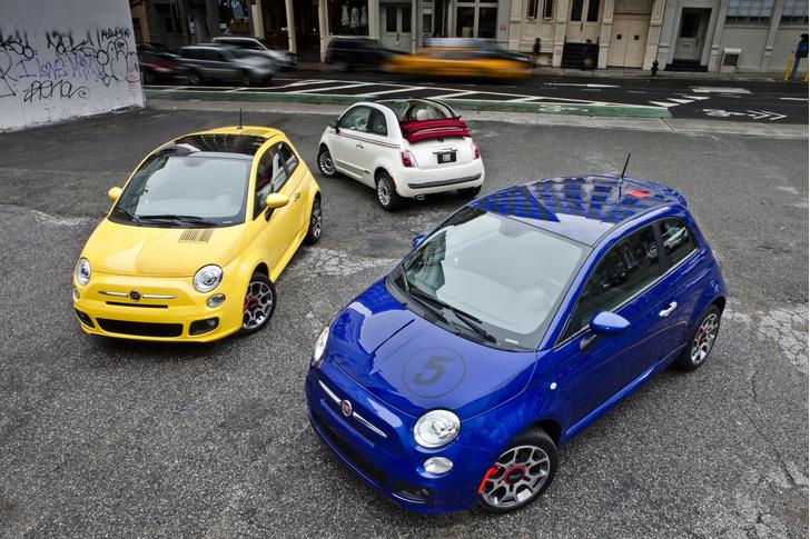 Фото №1 - 12 современных автомобилей, которые станут классикой
