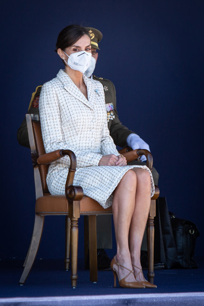 Фото №1 - Королева экономии: Летиция надела платье, в котором выходила 15 лет назад