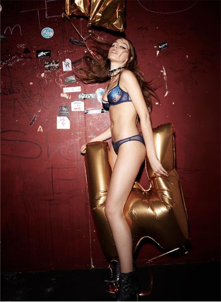 Фото №14 - Сексуальная бунтарка: новая кампания L'Agent by Agent Provocateur AW 2016/17