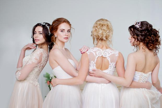 Фото №1 - Выбери свадебное платье, и мы скажем, каким будет твой брак [тест]