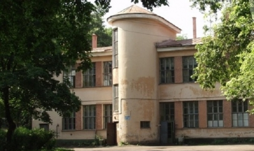 Фото №1 - В «боткинских бараках» оставят 4 лечебных корпуса