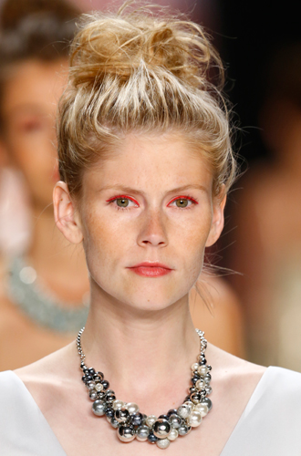 Фото №17 - New pink: 5 трендов «розового» макияжа, которые хочется повторить