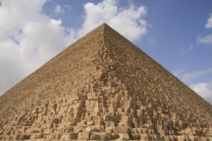 Фото №1 - В египетских пирамидах обнаружены термальные аномалии