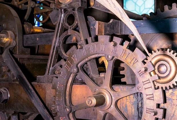 Фото №1 - В Санкт-Петербурге могут изготовить часы для Нотр-Дама