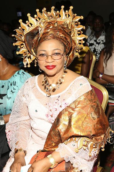 Фото №1 - От секретарши до собственного Dior и джета: сколько богатейшая женщина Африки тратит на туфли
