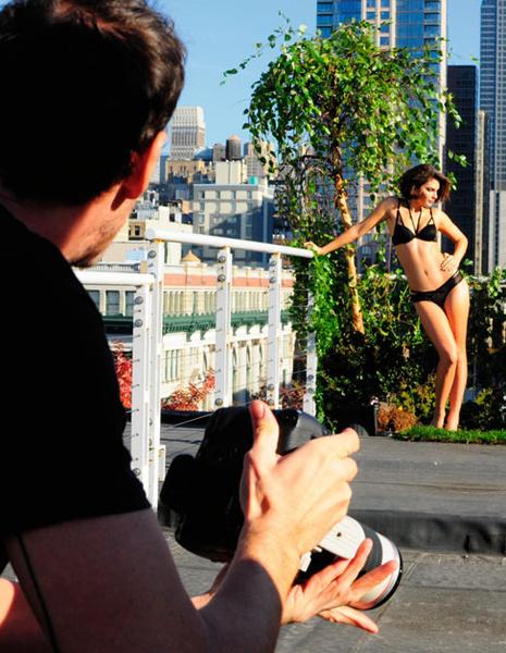 Фото №2 - Mодель Алиса Миллер в рекламе белья Intimissimi