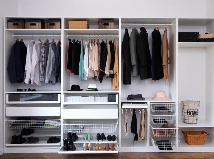 Фото №2 - По полочкам: 6 лайфхаков, чтобы навести порядок в шкафу