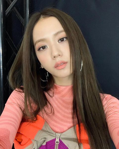 Фото №1 - Волосы как у кореянок: все о трендах и уходе