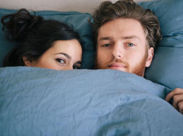 Фото №5 - Вопрос с подвохом: должны ли супруги спать в одной постели