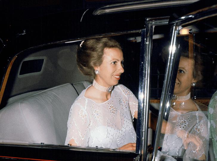 Фото №1 - Королевская бунтарка: как принцесса как Анна (не единожды) нарушала закон