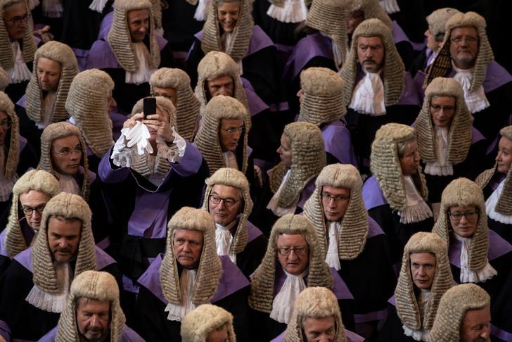 Фото №1 - А судьи кто?