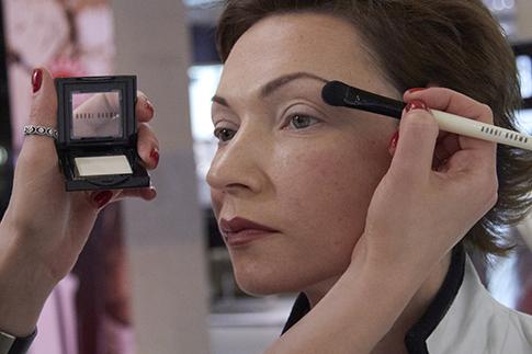 Фото №10 - Как сделать дневной макияж: мастер-класс Bobbi Brown
