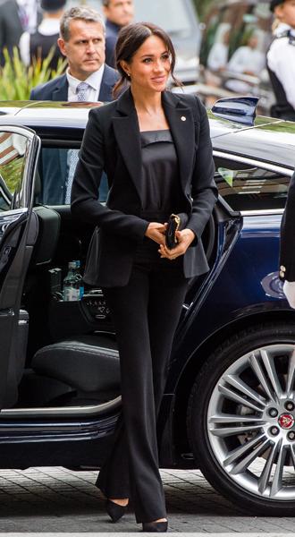 Фото №2 - Power-dressing от герцогини: новый брючный выход Меган Сассекской