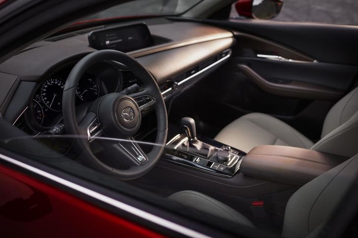 Фото №3 - Новая Mazda CX-30 приехала в Россию