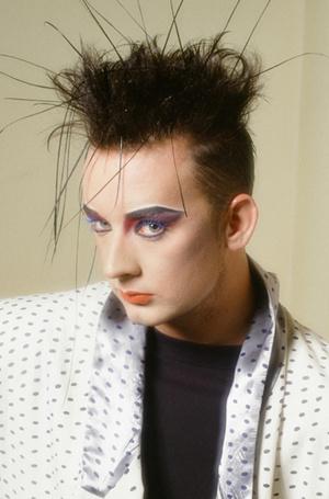 Фото №9 - Мужчины с макияжем: как подводка для глаз перестала быть женской прерогативой