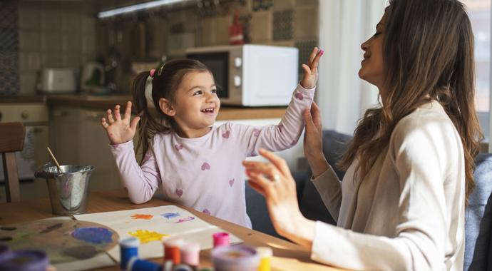 Как прививать знания ребенку, выросшему с телефоном в руках? Попробуйте микрообучение