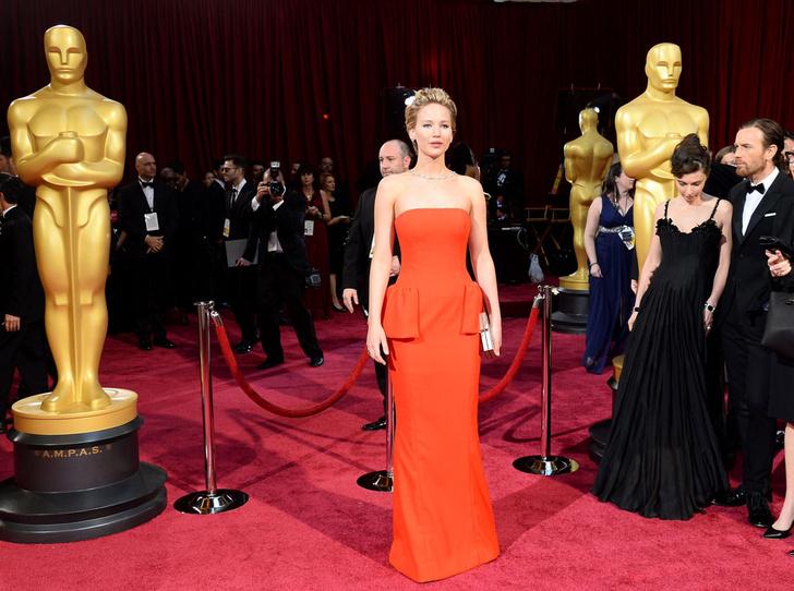 Фото №7 - Тайны «Оскара»: как звезды выбирают наряды для премии и зарабатывают на них