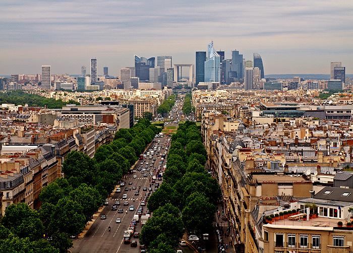 Фото №1 - Пять мест, которые надо посетить в Париже