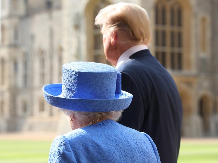 Фото №9 - Нарушил или нет: чего не сделал Дональд Трамп при встрече с Королевой (и был ли должен)