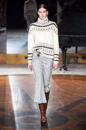 Фото №13 - Все связано: 5 самых модных свитеров для зимы 2020/21