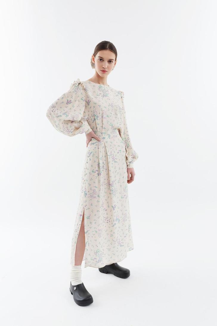 Фото №18 - Летом всем нам нужно платье в цветочек. Вот 20 нежных вариантов