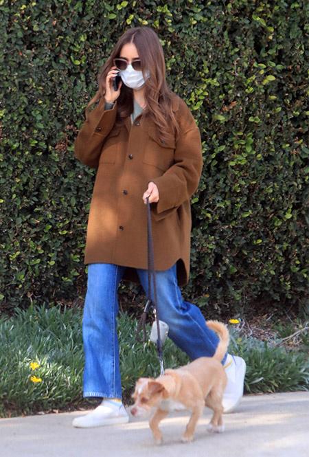 Лили Коллинз в Лос-Анджелесе