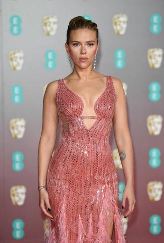 Фото №28 - BAFTA-2020: самые стильные звезды на ковровой дорожке церемонии