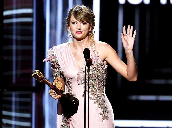 Фото №1 - Billboard-2018: Тейлор Свифт, Мила Кунис и другие на красной дорожке музыкальной премии