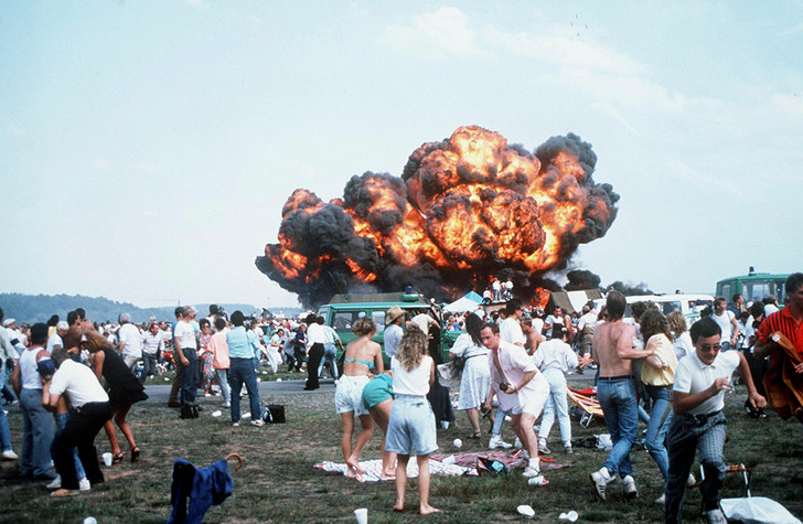 Фото №2 - Авиашоу массового уничтожения: катастрофа на базе Рамштайн, 1988