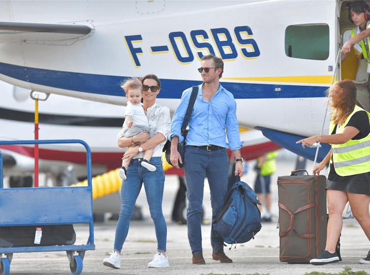 Фото №2 - Семейные каникулы: Пиппа Миддлтон с мужем и сыном отдыхают на Карибских островах