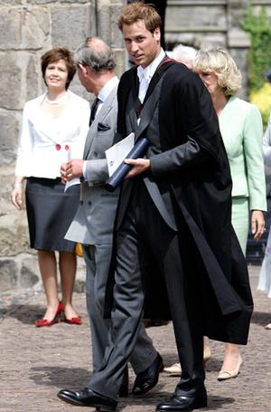 Фото №3 - 12 королевских традиций, которые нарушили Кейт Миддлтон и принц Уильям