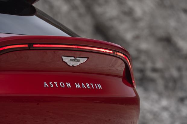 Фото №2 - Aston Martin представил первый в истории марки кроссовер